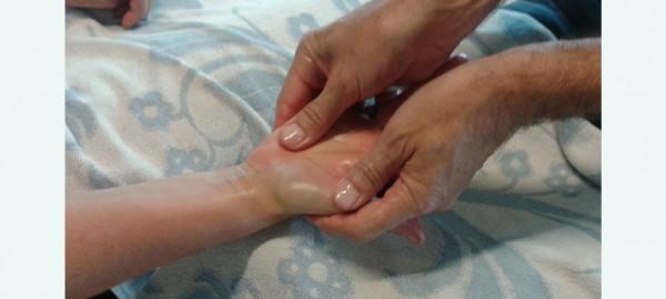 De kracht van aanraking en massage in de zorgsector